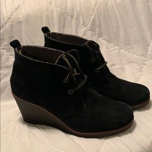 Sperry Wedge Bootie black suede size 8